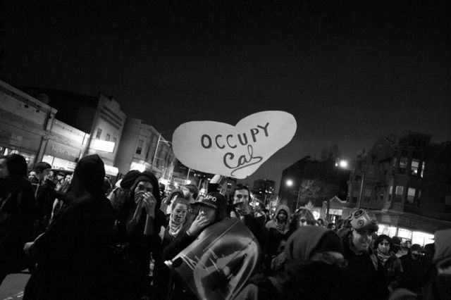 Occupy protesters, before finally getting kettled by the Oakland Police