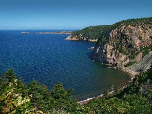 Waters off Nova Scotia. Credit: Tango7174 via Wikimedia Commons.