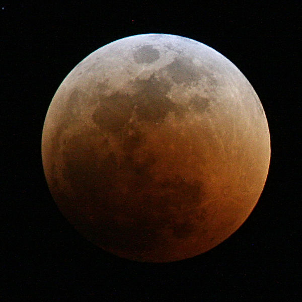 Total lunar eclipse.: Credit: Muhammad Mahdi Karim | Facebook, via Wikimedia Commons.