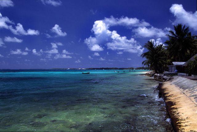 Funafuti lagoon, Tuvalu.: Stefan Lins via Wikimedia Commons.