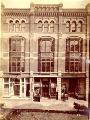Future home of Mother Jones: Gobey's Saloon is the door on the left.  : San Francisco Public Library