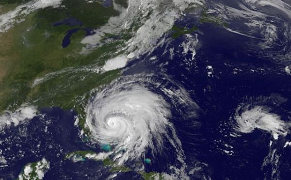 Hurricane Irene at 2245 UTC 25 Aug 2011. Credit: NOAA/GOES Project Science.
