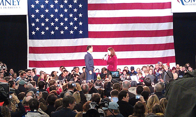 Sen. Kelly Ayotte R-N.H. introducing GOP candidate and former Massachusetts governor Mitt Romney at a rally in Derry, New Hampshire.: WEBN-TV/Flickr